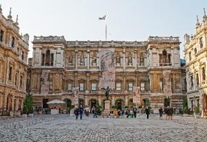В Англии учреждена Королевская академия художеств