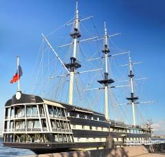 Издан указ Петра I, положивший начало Балтийскому флоту