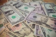 В СССР введен коммерческий курс рубля по отношению к иностранным валютам