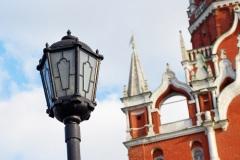 В Москве зажглись первые уличные фонари