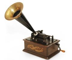 Начало эры аудиозаписи - Томас Эдисон получил патент на фонограф