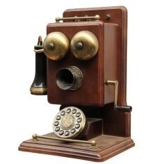 День рождения телефона: Александр Белл запатентовал изобретенный им телефонный аппарат