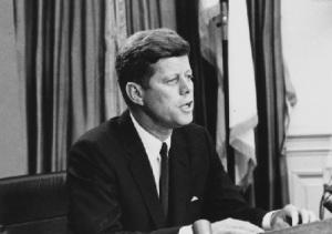 Состоялось выступление Джона Кеннеди, в годовщину которого ООН учредила «Всемирный день прав потребителя»