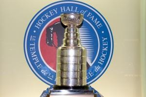 Учрежден приз для лучшей хоккейной команды — Кубок Стэнли