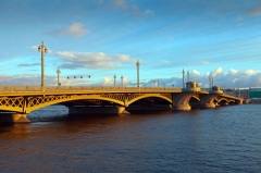 Издан указ о построении первого постоянного моста через Неву – Благовещенского