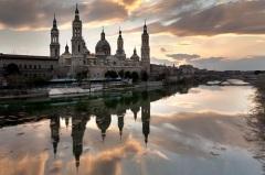 В Сарагосе подписан договор между Испанией и Португалией о разделе сфер влияния в Восточном полушарии