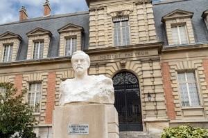 В Париже торжественно открыт Институт Пастера