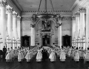 В Петербурге основан Смольный институт благородных девиц