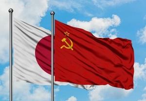 СССР и Япония установили дипломатические отношения, подписав Пекинский договор