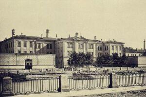 Александр II издал Указ об учреждении в Санкт-Петербурге больницы для рабочего населения