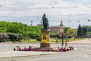 В Санкт-Петербурге состоялось торжественное открытие памятника великому полководцу А.В.Суворову