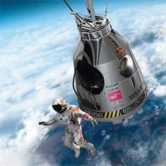 Австрийский парашютист совершил прыжок из стратосферы