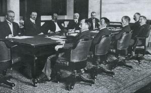 Россия и Япония подписали Портсмутский мирный договор
