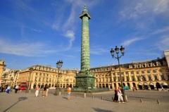 Закончилось строительство Вандомской колонны в Париже