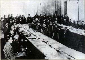 Подписан Брест-Литовский мирный договор, ознаменовавший выход России из Первой мировой войны