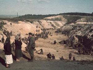 Начало массовых расстрелов в местечке Бабий Яр во время Великой Отечественной войны