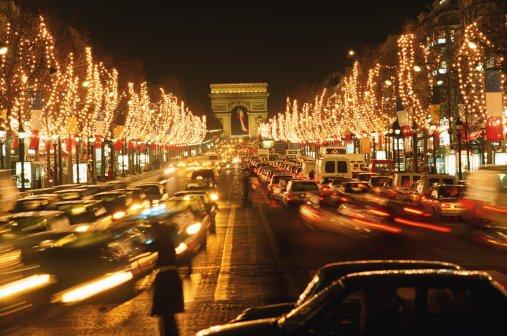 Рождественские огни Парижа