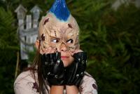"""Дети не только переодеваются в костюмы чертей, привидений, скелетов и т.д., но и обязательно делают какой-нибудь """"ужасный"""" макияж"""