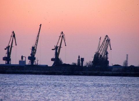 Морський торговий порт.