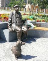 Памятник известному актеру Николаю Яковченко, уроженцу Прилук
