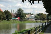 Река в Ужгороде (www.uzhgorod.ws)