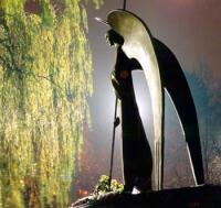 Памятник ангелу-хранителю