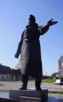 Памятник Бенардосу в Фастове