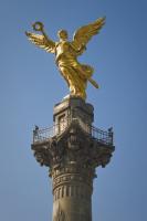 Колонна победы с Ангелом независимости в старой части Мехико (Фото: Slazdi, Shutterstock)