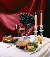 Романтический ужин может быть кстати