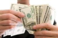 Удачный день для решения финансовых вопросов. Фото: Alexander Kalina, Shutterstock