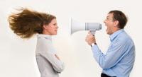 Будьте осторожны в общении с руководством – рискуете попасть под «горячую руку» начальства. Фото: Dmitriy Shironosov, Shutterstock