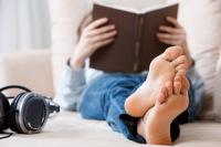 Читайте в свое удовольствие. Фото: Shutterstock