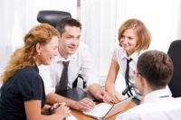 Люди сегодня готовы делиться мыслями. Фото: Shutterstock