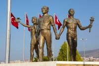 Монумент Ататюрку (Фото: Sean Nel, Shutterstock)