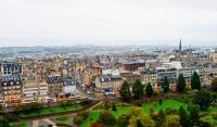Панорама Эдинбурга ранней осенью (Фото: TTphoto, Shutterstock)