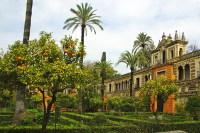 Сад в Алькасаре (Фото: nito, www.shutterstock.com)