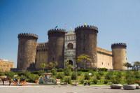 Замок Кастель-Нуово (Фото: Danilo Ascione, Shutterstock)