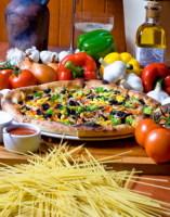 Неаполь – родина пиццы (Фото: PiotrMaciejewski, Shutterstock)