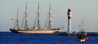 Канны – популярный курорт Лазурного берега (Фото: Alexander Demyanenko, www.shutterstock.com)