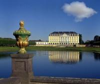 Дворец Брюль близ Кельна (Фото: Pecold, www.shutterstock.com)