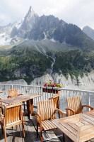 Шамони – самый крупный и самый известный курорт Французских Альп (Фото: snowlena, www.shutterstock.com)