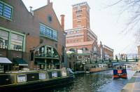 Сеть каналов в городе существует более 200 лет (Фото: AISPIX, www.shutterstock.com)