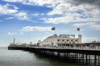 Brighton Pier – пирс с аттракционами (Фото: Neil Lang, www.shutterstock.com)