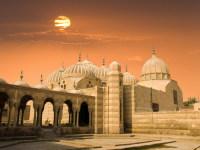 Каир – «город тысячи мечетей» (Фото: Jose Ignacio Soto, www.shutterstock.com)