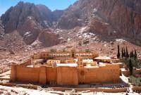 Монастырь Святой Екатерины – одно из самых посещаемых мест Синая (Фото: Sophy R., www.shutterstock.com)