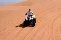 Также очень популярно джип-сафари по пустыне (Фото: Styve Reineck, www.shutterstock.com)