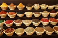 На местном базаре можно найти многообразие специй (Фото: svehlik, www.shutterstock.com)