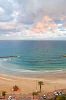Главная достопримечательность города – чистейшие пляжи (Фото: psv, Shutterstock)