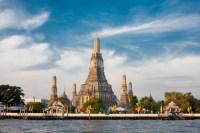 Всего в городе около 400 великолепных храмов, один из самых знаменитых – храм Зари (Фото: Pius Lee, www.shutterstock.com)