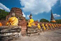 Статуи Будды, сделанные древними мастерами (Фото: Luciano Mortula, www.shutterstock.com)